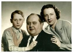 id. Haudek József és családja 1951-ben.